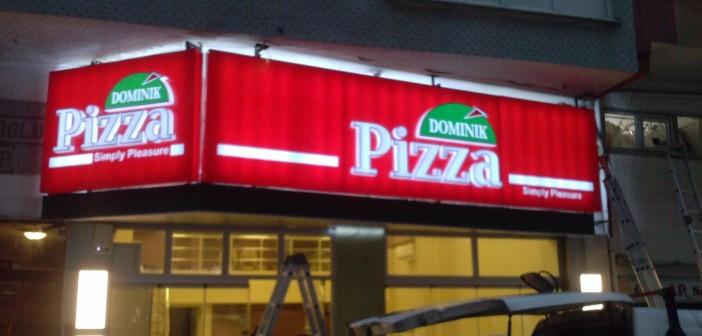 Dominik Pizza Tabelası Montajı Yapılırken